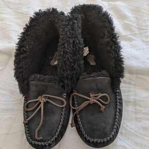 Ugg moccasin slippers GUC size 9 black